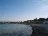 Veduta della spiaggia libera di Mondello verso il Charelestone.  - Mondello (2491 clic)