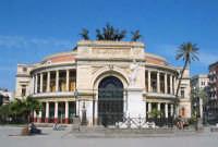 Veduta frontale del teatro Politeama di Palermo. PALERMO Giovanni Basta