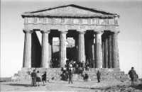 il Tempio nel 1974  - Agrigento (3094 clic)