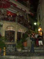 Castelmola-Taormina Una viuzza ad angolo del bar Turrisi Settembre 2006 (confronta altra del 1974)  - Castelmola (7527 clic)