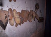 Attrezzi per fabbrica di scarpe di una volta   - Paternò (2648 clic)