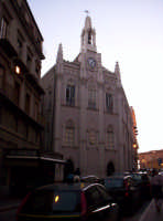 Agrigento.Via Atenea con lo sfondo il palazzo del Comune   - Agrigento (3011 clic)