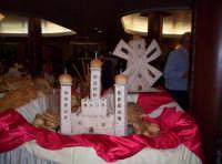 Castello e mulino fatti con farina.......del mulino bianco. Luglio 2005   - Paternò (1386 clic)