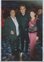 Ettore e Aurora in compagnia con Bonolis alla trasmissione Affari tuoi in onda su Rai 1 Ott.2004  - Paternò (2382 clic)