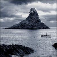IL Faraglione  - Aci trezza (4161 clic)