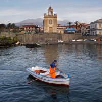 Pescatore a Stazzo altro, paesino di gente semplici nei pressi di Acireale  - Stazzo di acireale (6902 clic)