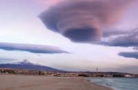 Etna e la sua spiaggia  - Catania (3174 clic)