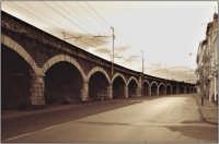 Via Dusmet Famosa per i suoi ponti dove tanti anni fà si attraccavano le barche  - Catania (2843 clic)