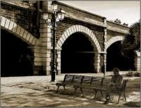 La villa Pacini noto parco dove gli anziani fanno scorrere le  giornate  - Catania (2077 clic)
