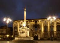 Piazza del comune  Al centro il caratteristico Elefante (LIOTRU)  - Catania (6196 clic)