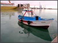Piccola barca al molo di Porto Empedocle  - Porto empedocle (3779 clic)