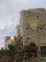 ruderi castello e scorcio chiesa S.Nicola  - Palazzo adriano (5290 clic)