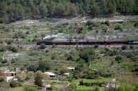 Treno a vapore a valle, vicino Ragusa Ibla.  - Ragusa (3660 clic)