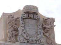 Ponte tra la borgata e il centro storico. Particolare della Porta Spagnola.  - Augusta (1443 clic)