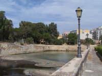 Ponte tra la Borgata e il centro storico. Prospettiva e scorcio di palazzi.  - Augusta (1536 clic)