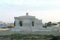 Scorcio del Monumento ai Caduti.   - Siracusa (1443 clic)