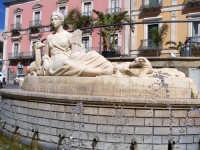 Fonte Diana di fronte al Municipio.  - Comiso (1939 clic)