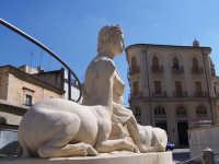 Fonte Diana di fronte al Municipio.  - Comiso (1719 clic)