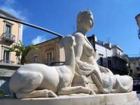 Fonte Diana di fronte al Municipio.  - Comiso (1814 clic)