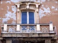 Architetture nel centro storico di Augusta in via P. Umberto.  - Augusta (1297 clic)