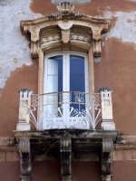 Architetture nel centro storico di Augusta in via P. Umberto.  - Augusta (1194 clic)