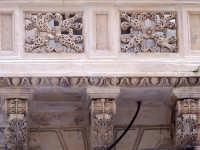 Architetture nel centro storico di Augusta in via P. Umberto.  - Augusta (1198 clic)