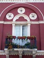 Architetture nel centro storico di Augusta in via P. Umberto.  - Augusta (1247 clic)