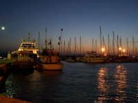 Imbarcazioni davanti al Molo Zanagora nel Porto Grande al tramonto.  - Siracusa (1288 clic)
