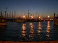 Imbarcazioni davanti al Molo Zanagora nel Porto Grande al tramonto.  - Siracusa (1670 clic)