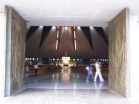 Ingresso del Santuario della Madonna delle Lacrime.  - Siracusa (1474 clic)