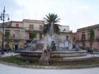 Vista della Fontana dei Tre Leoni.  - Avola (4067 clic)