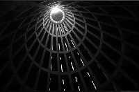 Santuario della Madonna delle Lacrime. Studio di luci e ombre caratterizzato dal gioco compositivo.  - Siracusa (1270 clic)