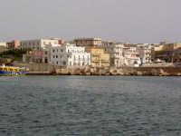 Lampedusa - Il paese visto dal porto  - Lampedusa (5885 clic)