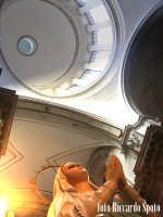 Ragusa Ibla. Interno della Cattedrale. Scorcio della statua della Beata Vergine e della cupola. RAG