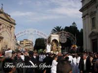 festa patronale di Santa Barbara, trionfale uscita di santa barbara, inizio della processione di santa Barbara  - Paternò (1410 clic)
