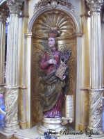 Festa Patronale di Santa Barbara, riproduzione del simulacro di santa barbara in una varetta.  - Paternò (1404 clic)
