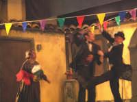 La Brigata Teatrale di Santa Maria di Licodia presenta; Miracolo, commedia brillante in due atti, riadattamento in chiave farsesca del S. Giovanni decollato di Martoglio. Marzo 2007, cine-teatro S. Giuseppe, Santa Maria di Licodia. (foto scattata da Stefano Mirone)  - Santa maria di licodia (1247 clic)