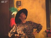 La Brigata Teatrale di Santa Maria di Licodia presenta; Miracolo, commedia brillante in due atti, riadattamento in chiave farsesca del S. Giovanni decollato di Martoglio. Marzo 2007, cine-teatro S. Giuseppe, Santa Maria di Licodia. (foto scattata da Stefano Mirone)  - Santa maria di licodia (1064 clic)
