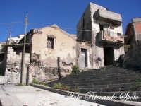Santa Maria di Licodia, le antiche casi di san Giuseppi, nel quartiere caselle.  - Santa maria di licodia (1510 clic)