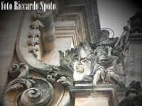 Ragua Ibla. Santi e volute barocche della chiesa di san Giuseppe.  - Ragusa (2037 clic)
