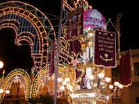 Festa patronale in onore di Sant'Antonio di Padova. La candelora che precede la processione del fercolo.  - Gravina di catania (4785 clic)