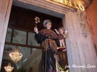 Festa patronale in onore di Sant'Antonio di Padova. Il rientro in chiesa del simulacro di Sant'Antonio.  - Gravina di catania (3966 clic)