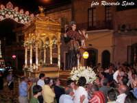 Festa patronale in onore di Sant'Antonio di Padova. Il simulacro viene prelevato dalla vara.  - Gravina di catania (5389 clic)