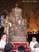 Ottava di Sant'Agata. Il busto reliquiario della Sanat Martire Patrona di Catania, viene sistemato dai devoti sull'altare maggiore del duomo.  - Catania (2833 clic)