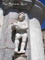 Piazza Duomo particolare della fontana dell'Elefante  - Catania (2241 clic)