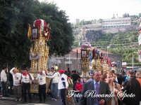 festa patronale di Santa Barbara, le varette precedono il fercolo della patrona  - Paternò (3595 clic)