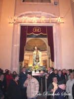 Festa della Madre di Dio Immacolata. 8 dicembre 2006. La Madonna sosta sul portale della chiesa, durante lo sparo dei fuochi.  - Santa maria di licodia (2022 clic)