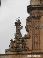 Modica Bassa. La chiesa Madre di San Pietro Apostolo. La statua della Vergine Immacolata, adorna una