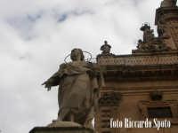Modica Bassa. La chiesa di San Pietro Apostolo, preceduta dalla scenografica scalinata barocca, ador