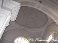 Santa Maria di Licodia, Chiesa Madre, scorcio della cupola ovale della cappella del SS Sacramento. Una rarità la cupola ovale nella Sicilia orientale.  - Santa maria di licodia (1698 clic)